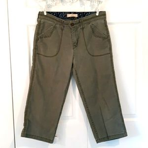 Levi's Size 10 Green Cropped Summer Pant Jean